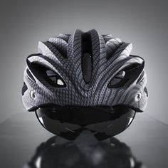 Dux Helm is the world's first cycling helmet with True Retractable Lens System, where the lens hides within the helmet frame. Cycling Helmet, Bicycle Helmet, Lens, Skull, Big, Silver, Klance, Lentils, Skulls
