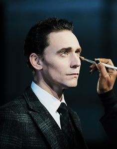 Hiddlestoner. Fan blog dedicated to the awesome British actor Tom Hiddleston.