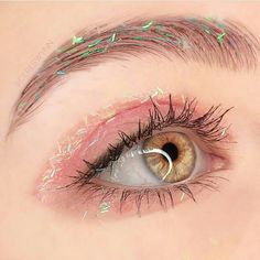 If you want to enhance your eyes and improve your good looks, finding the best eye makeup recommendations can help. You'll want to make certain you wear make-up that makes you start looking even more beautiful than you already are. Makeup Fx, Cute Makeup, Pretty Makeup, Makeup Goals, Makeup Inspo, Makeup Inspiration, Beauty Makeup, Hair Makeup, Makeup Ideas