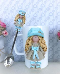 Cute Polymer Clay, Polymer Clay Dolls, Polymer Clay Projects, Polymer Clay Earrings, Coffee Cup Crafts, Stick Art, Clay Mugs, Cute Cups, Miniature Crafts