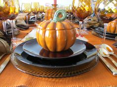 Thanksgiving is just around the corner and it's time to set the table with fall themes. Pat wanted to use the Pier One covered pumpkin soup . Thanksgiving Tablescapes, Pumpkin Soup, Autumn Theme, Vegetables, Food, Butternut Squash Soup, Squash Soup, Essen, Vegetable Recipes