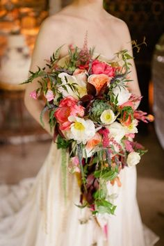 1000 images about cascade crescent bouquets on for Crescent bouquet