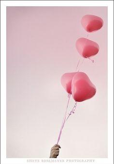 Balões em formato de coração <3
