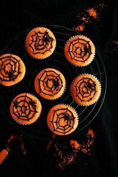 Spider cupcakes food autumn fall cupcakes dessert spider autumn pictures