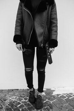 styling the shearling jacket like a fashion blogger. see more on MARYBENIGA.COM