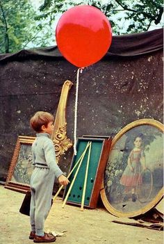 Le ballon rouge: The Red Balloon, a short film directed by Albert Lamorisse and starring his son Pascal, was filmed in the Ménilmontant neighbourhood of Paris in 1956 Tomboy Kids, Charles Perrault, Oscar Wins, House Design Photos, Little People, Belle Photo, Make Me Smile, Childhood Memories, Haiku