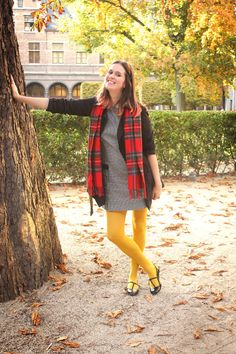Mustard Tights and Tartan Scarf – Hosiery Designs Orange Tights, Colored Tights Outfit, Black Tights, Coloured Tights, Nylons, Geek Chic Outfits, Color Combinations For Clothes, Tartan Scarf, Fashion Tights