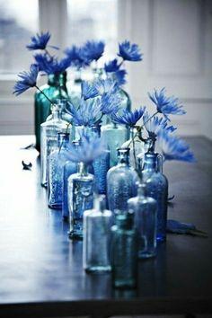 Arrangement avec plusieurs vases