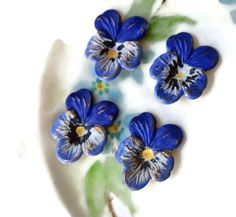 N929A Vintage Pansy Findings Stampings Hand by purpleviolets77
