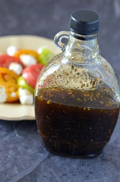 Homemade Italian Balsamic Vinaigrette with Heirloom Tomato Salad - I was given a gift card to order spices as compensation for this post, however as always all thou - Vinegrette Salad Dressing, Balsamic Vinegrette, Balsamic Vinaigrette Recipe, Balsamic Dressing, Italian Dressing Recipes, Salad Dressing Recipes, Salad Dressings, Italian Salad, Vinaigrette