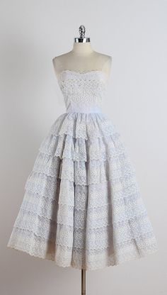 Layer Cake ➳ vintage dress * soft purple chiffon * acetate & tulle lining * covered in beautiful eyelet embroidery * skirt * bodice stays Vintage Outfits, Vintage 1950s Dresses, 1950s Style, Vintage Mode, Vintage Ladies, 1950s Fashion, Vintage Fashion, Pretty Dresses, Beautiful Dresses