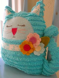 Chenille Kitty Cat SADIE Vintage Inspired by emmiscottageetsy Chenille Crafts, Fabric Crafts, Sewing Toys, Sewing Crafts, Cat Crafts, Arts And Crafts, Muñeca Diy, Craft Projects, Sewing Projects