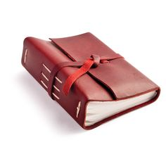 photo album: journey - The Journey Leather Photo Album is a practical and classy way to protect and present your photos! The next time you find yourself looking for a gift to give the person who has everything... look no further than our handcrafted Journey Leather Photo Album.