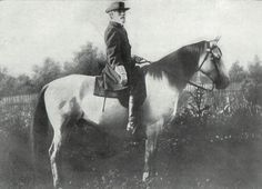 The name of my horse is Traveller. He was born in 1857 and lived until Here is a picture of the Gen. Robert E Lee with Traveller! An American Saddlebred. American Civil War, American History, American Union, British History, General Robert E Lee, Horse Story, Confederate States Of America, American Saddlebred, History Online