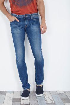 Venda Pepe Jeans / 28240 / Homem / Calças de ganga Slim / Calças de ganga corte slim estilo deslavado Azul