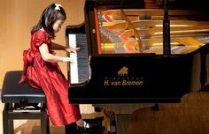 Preisträgerkonzert 11. Westfälischer van Bremen Klavierwettbewerb, November 2013 im Harenberg City Center.  Pianohaus van Bremen