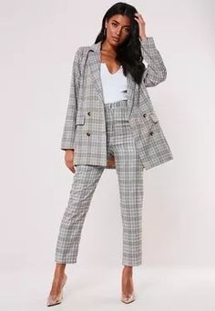 Fix up and look sharp for the season in slick blazers for women at Missguided. Choose from boyfriend, collarless and cape styles. Blazers For Women, Suits For Women, Women's Blazers, Plaid Blazer, New Wardrobe, Jackets Online, Business Fashion, What To Wear, Women's Coats