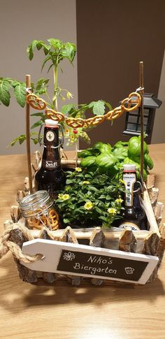 DIY beer garden - gift - # beer garden - gift ideas - Yeni Dizi - DIY idea for cute presents - Birthday&Gifts Diy Birthday, Birthday Gifts, Diy Gifts For Christmas, Diy Pinterest, Diy Cadeau, Beer Gifts, Garden Gifts, Diy Garden, Garden Ideas