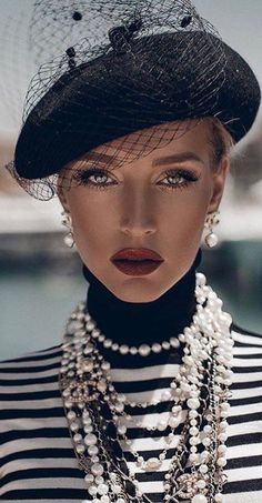 Beautiful Soul, Most Beautiful, Parisian Chic Style, Carrie Bradshaw, Couture, Headgear, Her Style, Hats For Women, Glamour