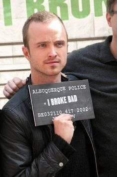 Breaking Bad I love Aaron Paul! Breaking Bad Jesse, Serie Breaking Bad, Best Tv Shows, Best Shows Ever, Favorite Tv Shows, Heisenberg, Disney Channel, Cartoon Network, Jesse Pinkman