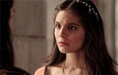 kenna walking away to her chambers to get ready to go and find bash Kenna Reign, Lady Kenna, Caitlin Stasey, Future Library, Red Queen, Face Claims, Mistress, Actors & Actresses, Gif 2