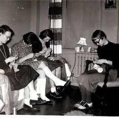 dorm life: knitting in the 50's
