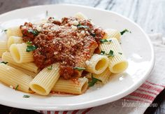 skinnytaste crockpot bolognese - might need to cut everything in half...20 servings is a little much