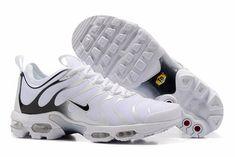 8ebc94bc1c4 chaussure tn 2017 homme air max plus tn blanche et noir Nike Air Max Plus