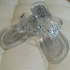 Victor Odil sandal These are super cute sandal by Victor Odil they have a clear body to them with gold Speckles   1 and a half inch heel front has lots of rhinestones on it all are on there and nothing was missing these have never been worn Victor Odil  Shoes Sandals