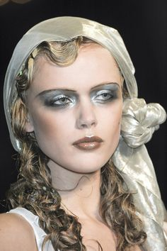 Frida at John Galliano Spring Summer 2011 | PFW