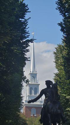Walking tour of old Boston