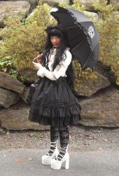 Old school Gothic Lolita