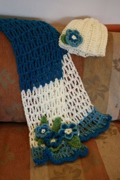 crochet hat and scarf elvia Crochet Adult Hat, Bonnet Crochet, Crochet Cap, Crochet Gloves, Love Crochet, Crochet Scarves, Crochet Shawl, Crochet Hooks, Yarn Projects