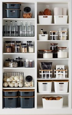 28 amazing small kitchen organization ideas expose 28 amazing small kitchen organization ideas expose The post 28 amazing small kitchen organization ideas expose appeared first on Wohnung ideen. Kitchen Pantry Design, Small Kitchen Organization, Home Organisation, Home Decor Kitchen, Diy Kitchen, Home Kitchens, Diy Home Decor, Organization Ideas, Kitchen Ideas