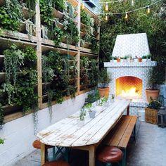 52 Ideas backyard deck designs back patio string lights - All For Light İdeas Outdoor Rooms, Outdoor Dining, Outdoor Gardens, Outdoor Decor, Outdoor Box, Outdoor Ideas, Indoor Outdoor, Backyard String Lights, Pergola Swing