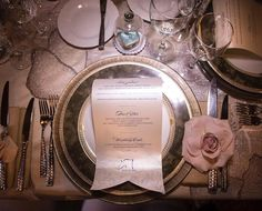 #Repost @andreaeppolito  Love this rich place setting with double chargers scrolled menus and a rose accent at each napkin.  And I spy a gorgeous sugar slipper under a glass dome.  Photo @altfphotography  Las Vegas Wedding Planner @andreaeppolito  Linens & Decor @dbdweddings @dbdvegas  Menu @paperandhome