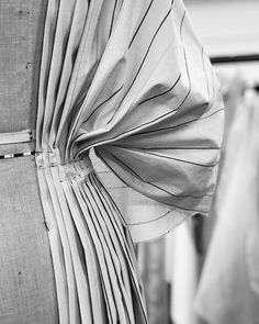 Roksanda / Pleats in Progress Blog Couture, Pleated Fabric, Fashion Details, Fashion Design, Fashion Project, Roksanda, Pattern Cutting, Pattern Drafting, Fabric Manipulation