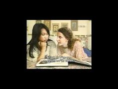 Allez viens 1-07 La famille - In this video, Thuy arrives at Isabelle's house for a visit. Isabelle introduces Thuy to her father. Thuy notices Isabelle's family photo album and asks if s...