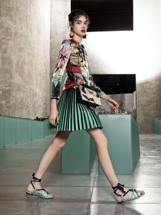 See the complete Giorgio Armani Resort 2018 collection.