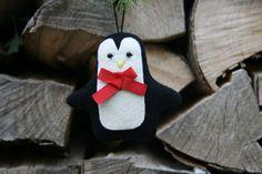 Weihnachtsdeko / Stoffanhänger Pinguin от BogThomHandmade на Etsy