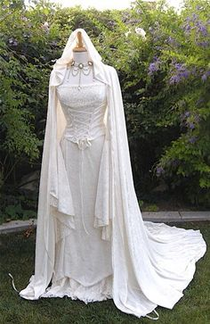 hand fasting, medieval wedding dress p. most popular dress on my page ? :)Renaissance, hand fasting, medieval wedding dress p. most popular dress on my page ? Viking Wedding, Renaissance Wedding, Renaissance Fashion, Celtic Wedding, Geek Wedding, Wedding Ideas, Wedding Inspiration, Medieval Dress, Medieval Clothing