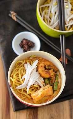 Curry Noodles or Curry Laksa... whichever whatever name that takes your fancy 😜