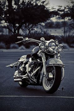 harley davidson heritage by SurfaceNick #harleydavidsonsoftailheritage #harleydavidsonroadkingcustom