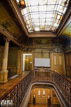 Casa Macca, București, Foto: Alberto Groșescu Art Nouveau, Art Deco, Ancient Architecture, Architecture Details, Romania Travel, Little Paris, Bucharest Romania, Europe, Beautiful Buildings