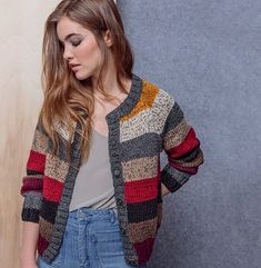 Modèle Gilet Lola The Effective Pictures We Offer You About Knitting aesthetic A quality picture can tell you many things. Baby Sweater Knitting Pattern, Cardigan Pattern, Knit Cardigan, Baby Knitting, Knitting Daily, Knitting Blogs, Knitting Designs, Crochet Jacket, Knit Crochet