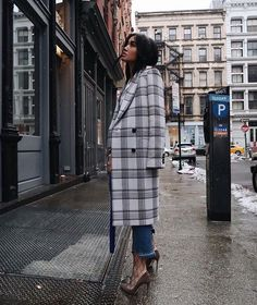 Plaid oversized coat, jeans, and heels.  Street style, street fashion, best street style, OOTD, OOTD Inspo, street style stalking, outfit ideas, what to wear now, Fashion Bloggers, Style, Seasonal Style, Outfit Inspiration, Trends, Looks, Outfits.
