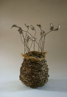 basket of Harriet Goodall Willow Weaving, Basket Weaving, Woven Baskets, Diy And Crafts, Arts And Crafts, Weaving Art, Flax Weaving, Nature Crafts, Wire Art