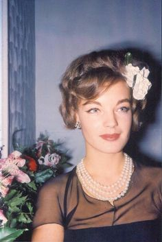 VK is the largest European social network with more than 100 million active users. Romy Schneider, Le Talent, French Actress, Famous Faces, Beautiful Actresses, Love Story, Sissi, Albums, Pearls