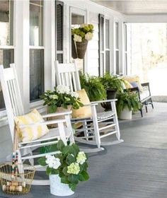 24 Rustic Farmhouse Front Porch Decorating Ideas