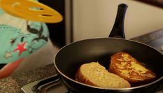 Como topping para tus tostadas, utiliza miel de abeja, bananas y canela. #PataCook